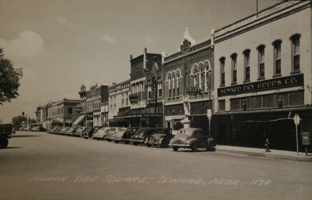 Historical photo of the north side of the Seward, Nebraska Courthouse Square